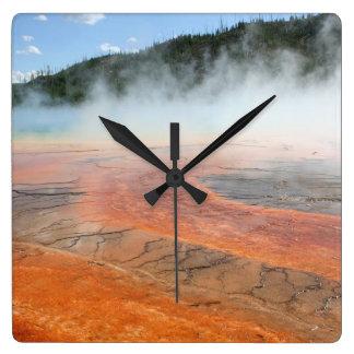 Yellowstones storslagen Prismatic hettvår Fyrkantig Klocka