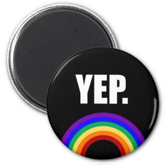 """""""Yep"""" gay prideregnbågemagnet Magnet Rund 5.7 Cm"""