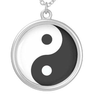 Yin och Yang Silverpläterat Halsband