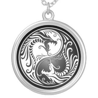 Yin Yang drakar Silverpläterat Halsband