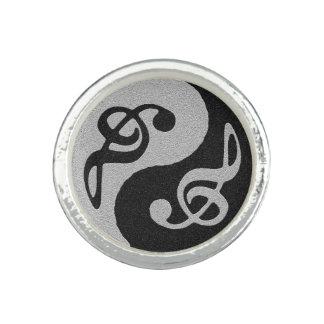 yin-yang musik noter foto ringar