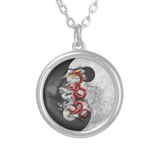 Yin Yang och drake Silverpläterat Halsband