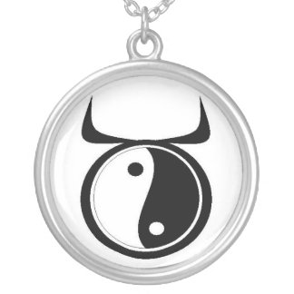 Yin-Yang Oxen Silverpläterat Halsband