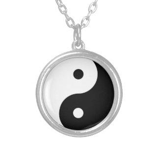 Yin Yang Tai Ji kinesiskt symbolhalsband Silverpläterat Halsband
