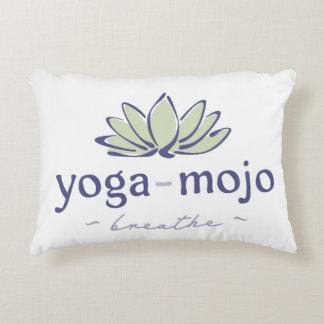 yoga-mojo-2-color-cmyk prydnadskudde