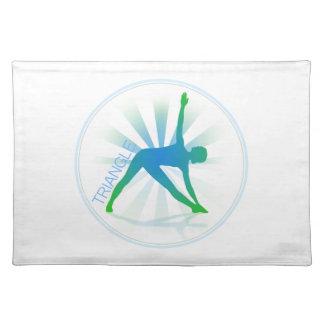 Yoga poserar bordstabletten (triangeln) bordstablett