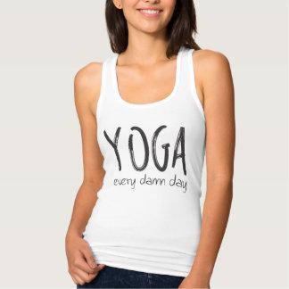 Yoga VARJE D*MN-dag! Tshirts