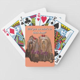Yorkie kärlek - cykel som leker kort spelkort