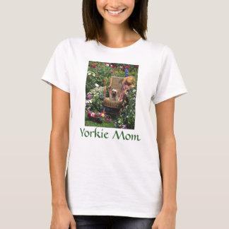 Yorkshire Terier T-tröjaträdgård T Shirts