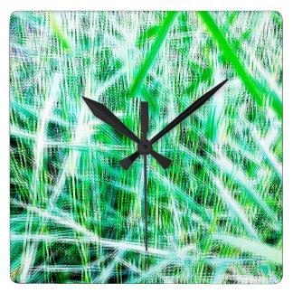 Yr gräs tar tid på fyrkantig klocka