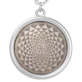 Zaragoza Salduba geometrisk mosaik Silverpläterat Halsband