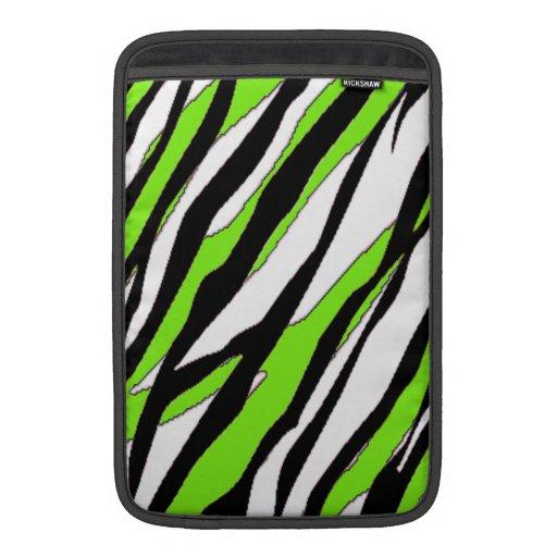 Zebra ränder med abstrakt limefruktgröntrandar MacBook air sleeves
