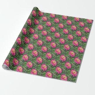 ZINNIAEN - vibrerande rosor och kräm - EKA trycket Presentpapper